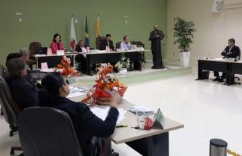 Emendas à Lei Orgânica e ao Regimento Interno permitem a  recondução da mesa diretora da Câmara Municipal de Aimorés