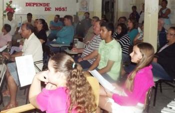 Moradores do KM14 participam da reunião itinerante
