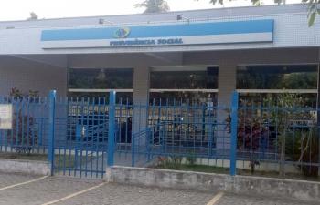 Servidora teme o fechamento da agência do INSS