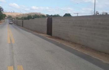 Construção de muro pela Vale na avenida Liberdade gera apreensão aos moradores e repercute na Câmara