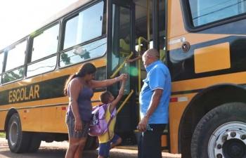 Mesa diretora cobra apuração sobre transporte escolar