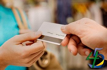 39% dos brasileiros já pediram nome emprestado para fazer compras a crédito