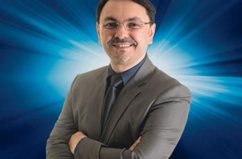 Rossandro Klinjey: Recomeçar com a crise