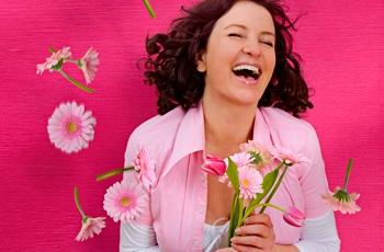 Outubro rosa: câncer de mama atinge mulheres cada vez mais jovens
