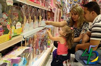 75% dos brasileiros devem ir às compras no Dia das Crianças