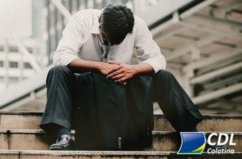 Baixa autoestima atinge 56% dos brasileiros que perderam emprego