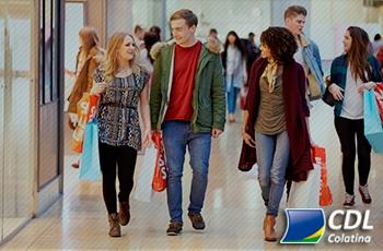 44% dos brasileiros já usaram o nome de outra pessoa para fazer compras a prazo