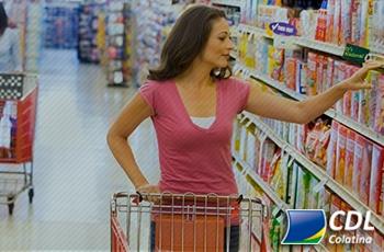 Alimentos e remédios lideraram gastos no cartão de crédito em junho