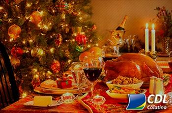 Brasileiros que vão comemorar o Natal pretendem desembolsar em média R$ 207,00 com a ceia