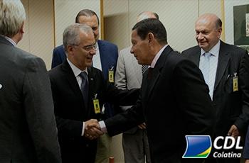 Representante da Confederação Nacional de Dirigentes Lojistas se reune com o vice-presidente da República