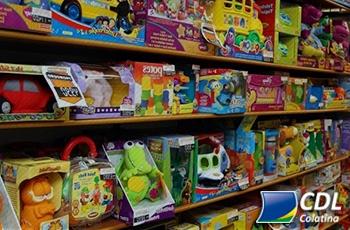 73% dos consumidores planejam ir às compras no Dia das Crianças; data deve movimentar R$ 10,3 bilhões no varejo