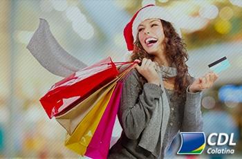 Seis em cada dez brasileiros pretendem comprar presentes para si mesmos no Natal