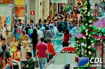 13,2 milhões de brasileiros devem ir às compras de Natal na última hora